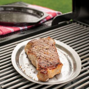 Nordic Ware 365 Grilling 7.875 in. Aluminum Sizzle and Serve Pan in Black and Stainless Steel